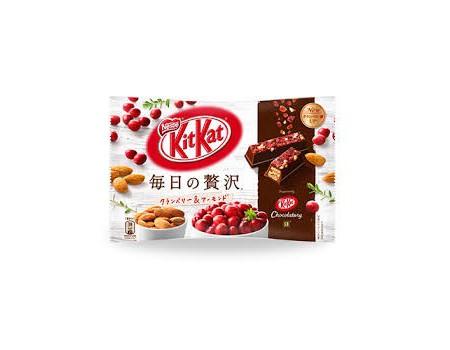 Kit Kat Deluxe Cranberry/Amandes