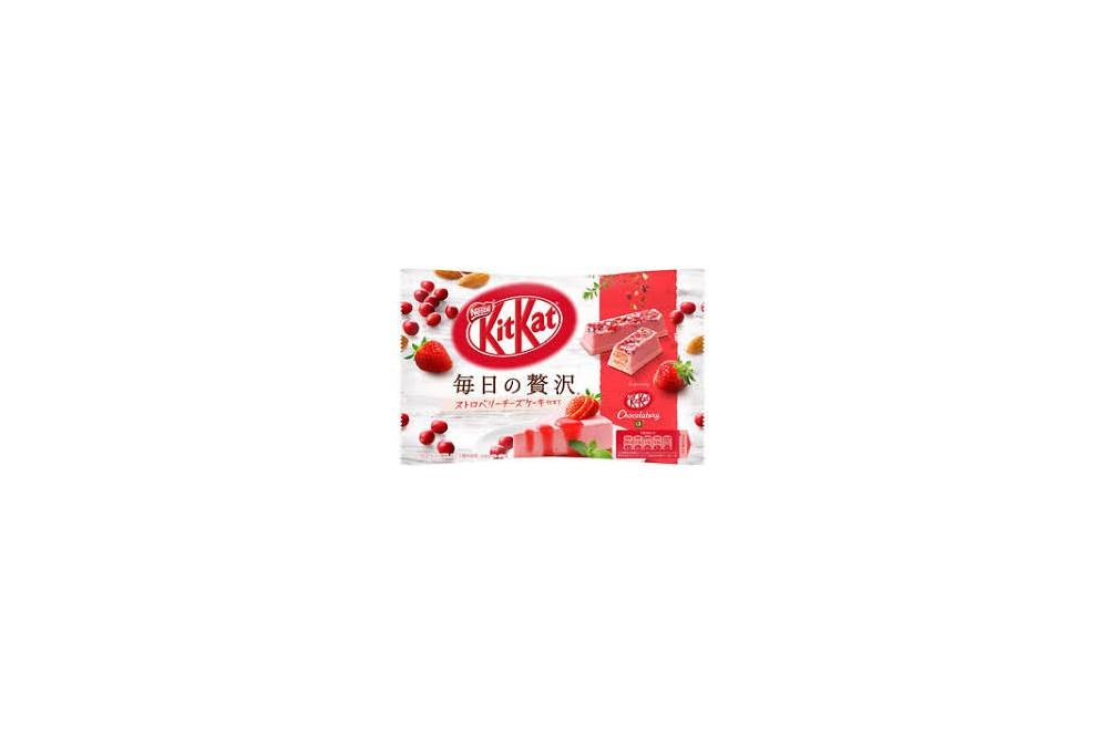 Kit Kat Deluxe Strawberry/CheeseCake